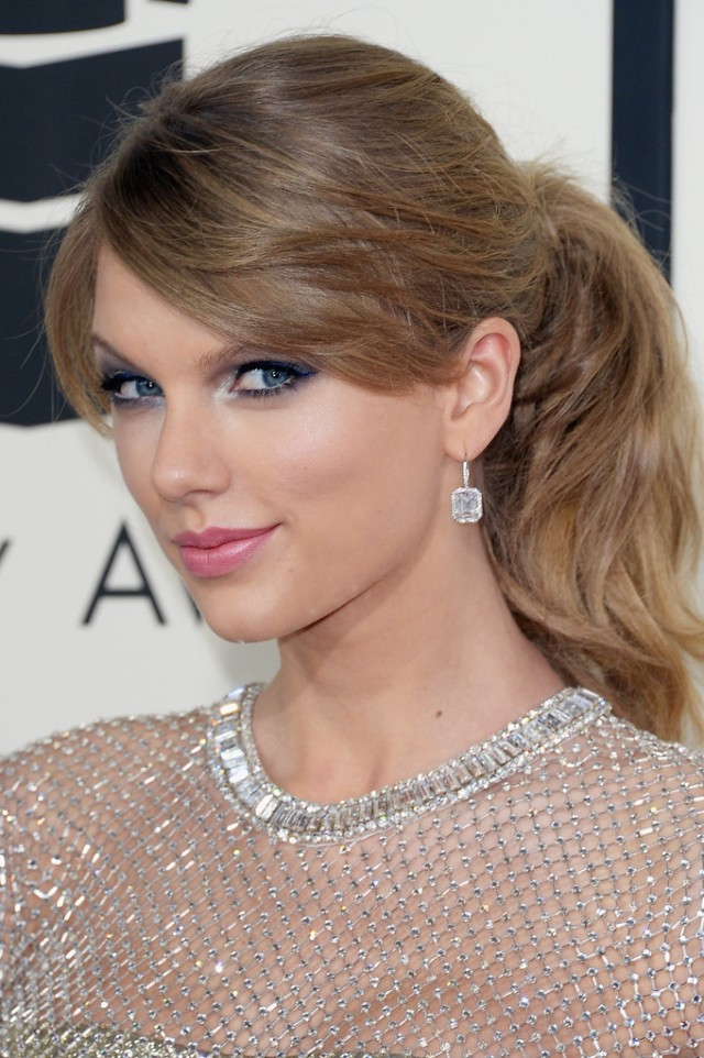 56th+GRAMMY+Awards+Arrivals+Et_9jdqdo0Nx